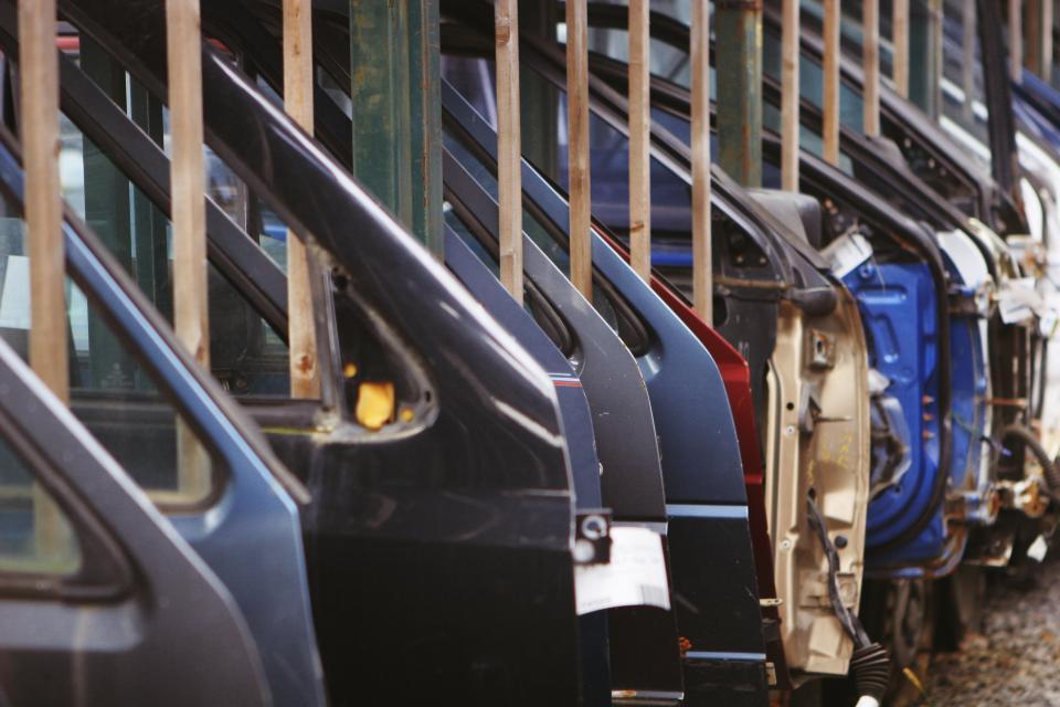 car doors-manufacturing_640DB4FF16